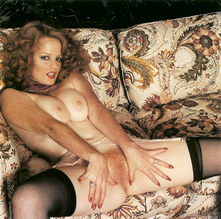 Annette haven lisa de leeuw veronica hart in classic porn - 1 part 4